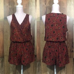 Pants - New! Mossimo floral romper size small